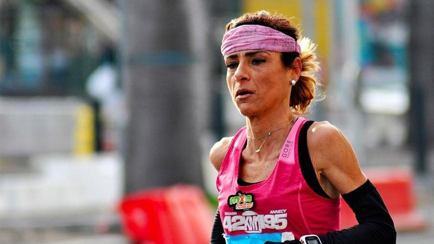 Aline Camboulives vainqueure de marathon Run In Marseille 2018 en 2h45'11